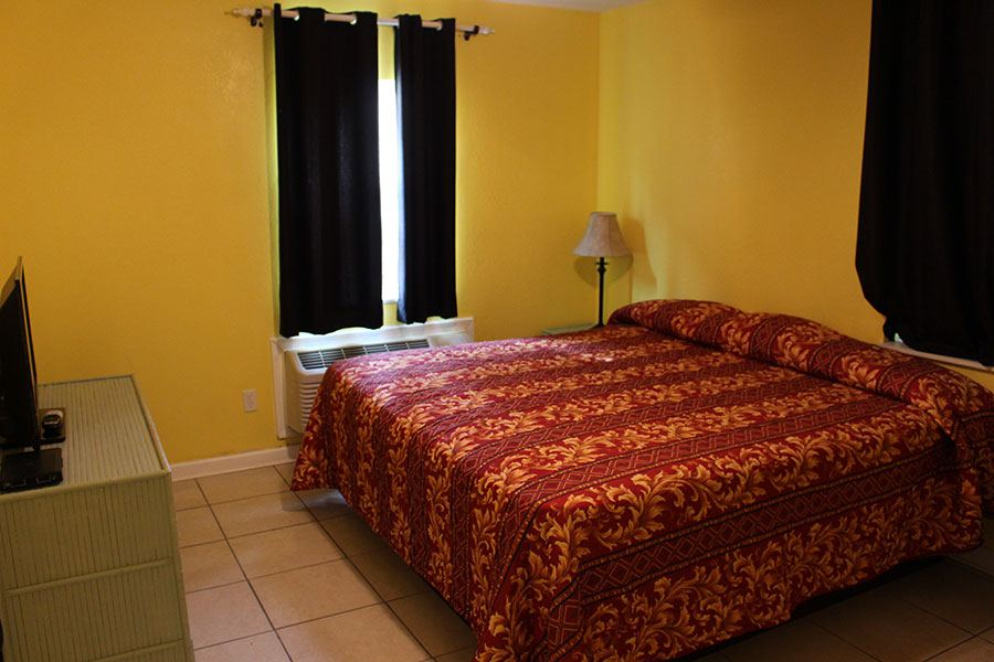 A bedroom at our Panama City Beach motel.