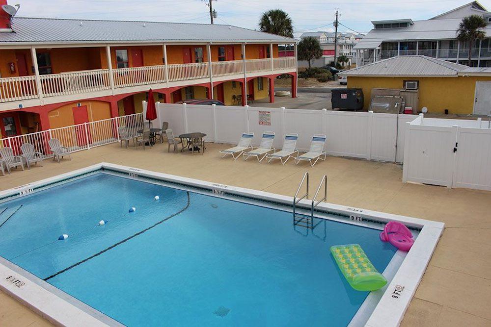 Pool View at aqua view